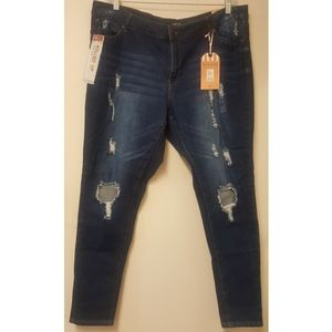 22 - Forever 21/Wax Jeans - Skinny crop jeans